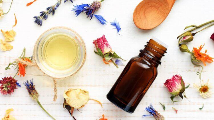 15 Diy Essential Oil Gift Recipes