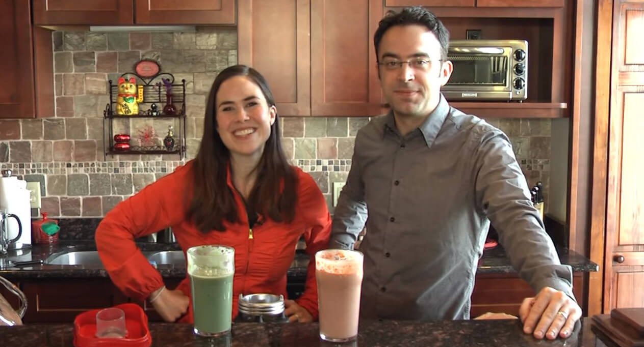 Battle of the Breakfast Smoothies by Mama Natural Featured