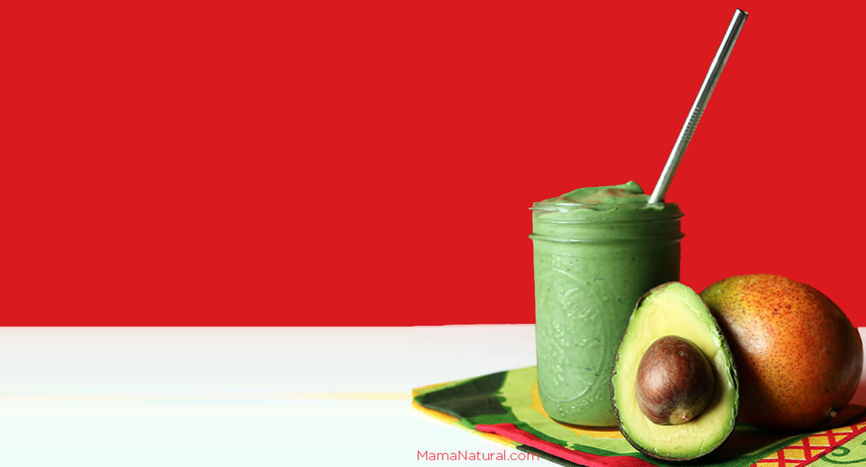 How to Make a Tropical Spirulina Smoothie (That Babies Love) by Mama Natural Featured