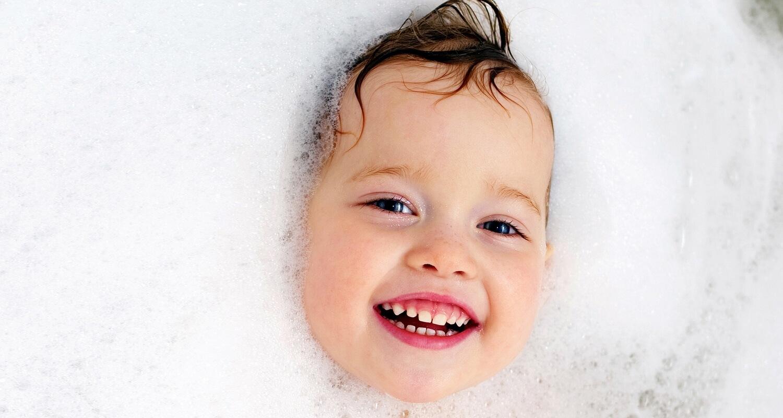 The Best Natural Bubble Bath + DIY Recipes | Mama Natural